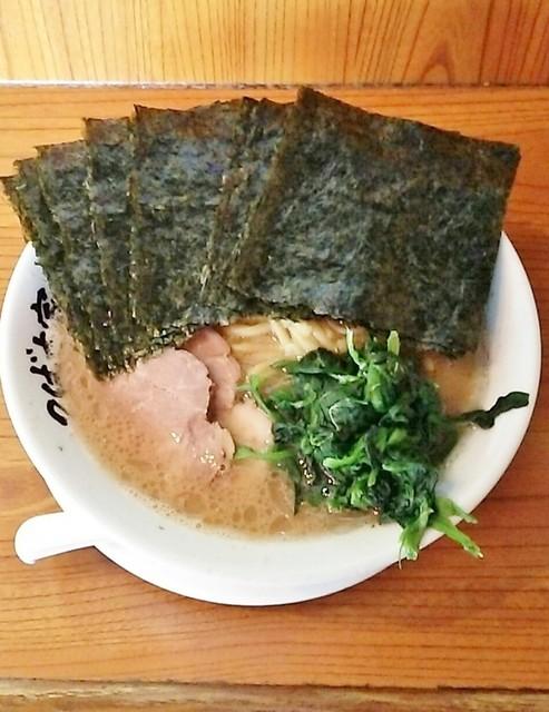 つばさ家 立川店 - ラーメン670円麺硬め。海苔増し80円。