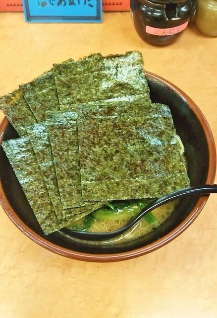 亀家 - ラーメン700円麺硬め。海苔増し150円。
