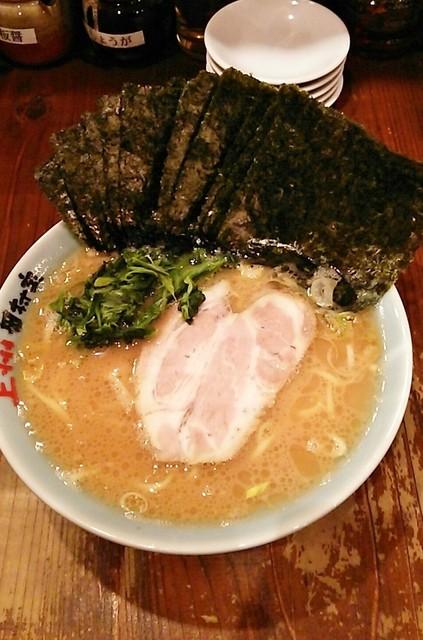 田村家 - ラーメン670円麺硬め。海苔増し100円。