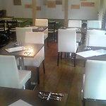 トラットリア イル バッコドーロ - 28席と小さく隠れ家的なお店ですが、会合や少人数の貸切を多数承っております。
