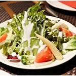 シュラスコレストランALEGRIA - サラダ。レビュー中の扱いがアレですが美味しいです。