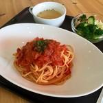 カフェふれんず - 料理写真:トマトパスタランチ(650円)