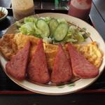 チャンプルー食堂 - 料理写真:ポークたまご定食(600円)