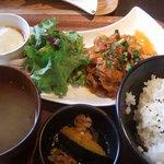 7671201 - 豚肉と彩り野菜の辛味噌炒め定食(日替わり和定食)