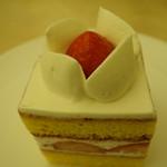 76711051 - 亰地卵の苺ショート