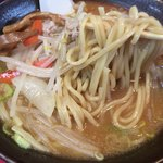 76713352 - みそラーメン 麺リフト!