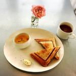 ワバラ カフェ - ホットサンドとパンプキンスープとチョコラータ