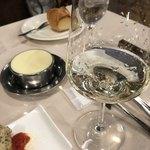 ぷうたろう - 前菜に白ワイン