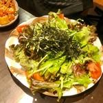 76716319 - ○○ちゃん、サラダの取り分けありがとう