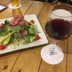 肉バル529 - ローストビーフのサラダ+ワイン
