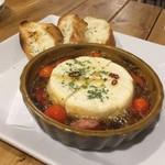 肉バル529 - カマンベールチーズのアヒージョ