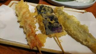 石臼挽きうどん しゅはり - 串天ぷら3点盛