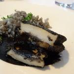 レストラン・モリエール - *鮑自体もやわらかく美味しいですし、イカスミソースも味わいもよく絶品。