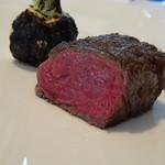 レストラン・モリエール - *フイレ肉は柔らかく火入れも絶妙で美味しいこと。