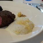 レストラン・モリエール - *テーブルでスペシャリテの「ポテトグラタン」が添えられるのですけれど、とてもいい味わい。