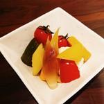 旬野菜の自家製ピクルス