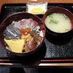 7673606 - 海鮮丼