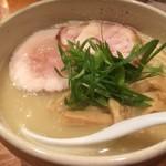 臥龍 - 鶏チャーシュー麺850円税込