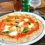ピッツェリアバラッキーノ - 料理写真:2017年9月 Pizza Lunch(マルゲリータ・バァッファラ)【1800円+500円】