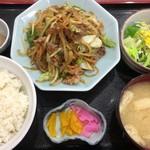 食事処 ときわ - 日替わり「牛肉スタミナ炒め」550円