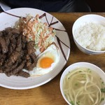 前田食堂 - 2017年11月20日  焼肉おかず 1,000円