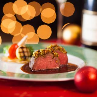 クリスマススペシャルランチとディナーのご予約受付中