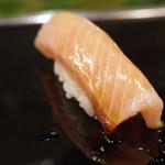 金寿司 - 鰤