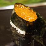 金寿司 - いくら軍艦