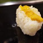 金寿司 - 海胆おにぎり
