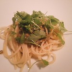 Mododhipontebekkio - 塩漬け牡蠣とマイクロパクチーのオイルスパゲッティ