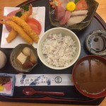 魚七商店 結 - 料理写真:ごちそうランチ1500円です。
