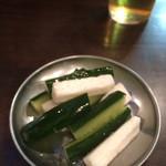 焼とん あかし - 長芋きゅうり浅漬け200円