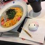 江ノ島 はろうきてぃ茶寮 - はろうきてぃ 釜揚げしらすと明太子のゆずの香クリームパスタの和菓子セット