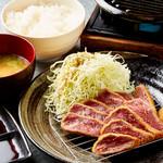 串カツ 小鉄 - 牛レアカツ定食