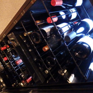 料理の魅力を更に引き立たせる、こだわりのワイン
