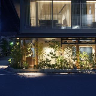 日本の和の建材と欧米様式を合わせた瀟洒なスタイル