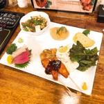 とり津 - 酒肴セット 1000円