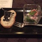 メインダイニングルーム - 本日の1品《カルパッチョとイカ墨のカマンベールチーズ》