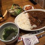 76775723 - 「特製牛すじカレー」780円 +大盛 100円