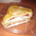 76776845 - ストロベリーチーズケーキ フレンチトースト
