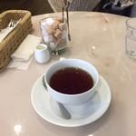 幸せのパンケーキ - ホットの紅茶。