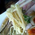 麺屋 裕 - 蟹塩そばの麺のアップ