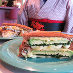バイミースタンド - アパレルブランドディレクターが手掛けるお洒落なサンドイッチ店でホットサンド♪