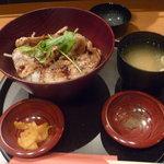 Sakurakouji - ランチ:沖縄豚炭火丼