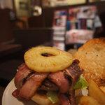 Burger 5 - ハワイアンパインバーガー