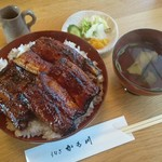 かも川 - 料理写真:上うなぎ丼3切れ 3,500円(漬物、吸物付)