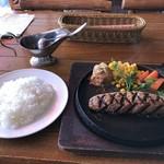 ハンバーグ専門店 IZUTSUYA -