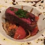 リベロ - 北海道産 蝦夷鹿の鉄板焼き サラダ仕立て