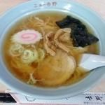 ニュー吉野 - 料理写真:ラーメン