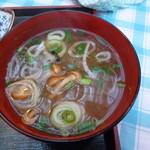 松喜食堂 - 具たくさんの味噌汁